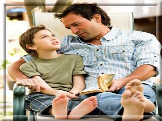 http://2.bp.blogspot.com/_Y2EHn2IwoQE/S_kZqnDg2gI/AAAAAAAAAag/H0CueU5uLdw/s1600/mensagem-dia-dos-pais-conversa-entre-pai-e-filho.jpg