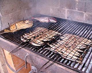 Asados argentinos pescado a la parrilla - Parrillas para asar ...
