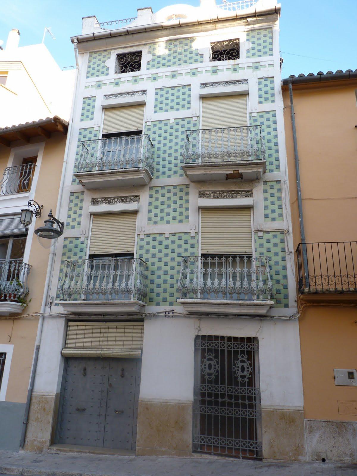 Valles 16 las fachadas de azulejos de x tiva for Fachadas de casas con azulejo