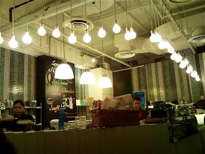 Cafe Bar Snc Sms  Avenue Maurice Vtrillo  Argenteuil