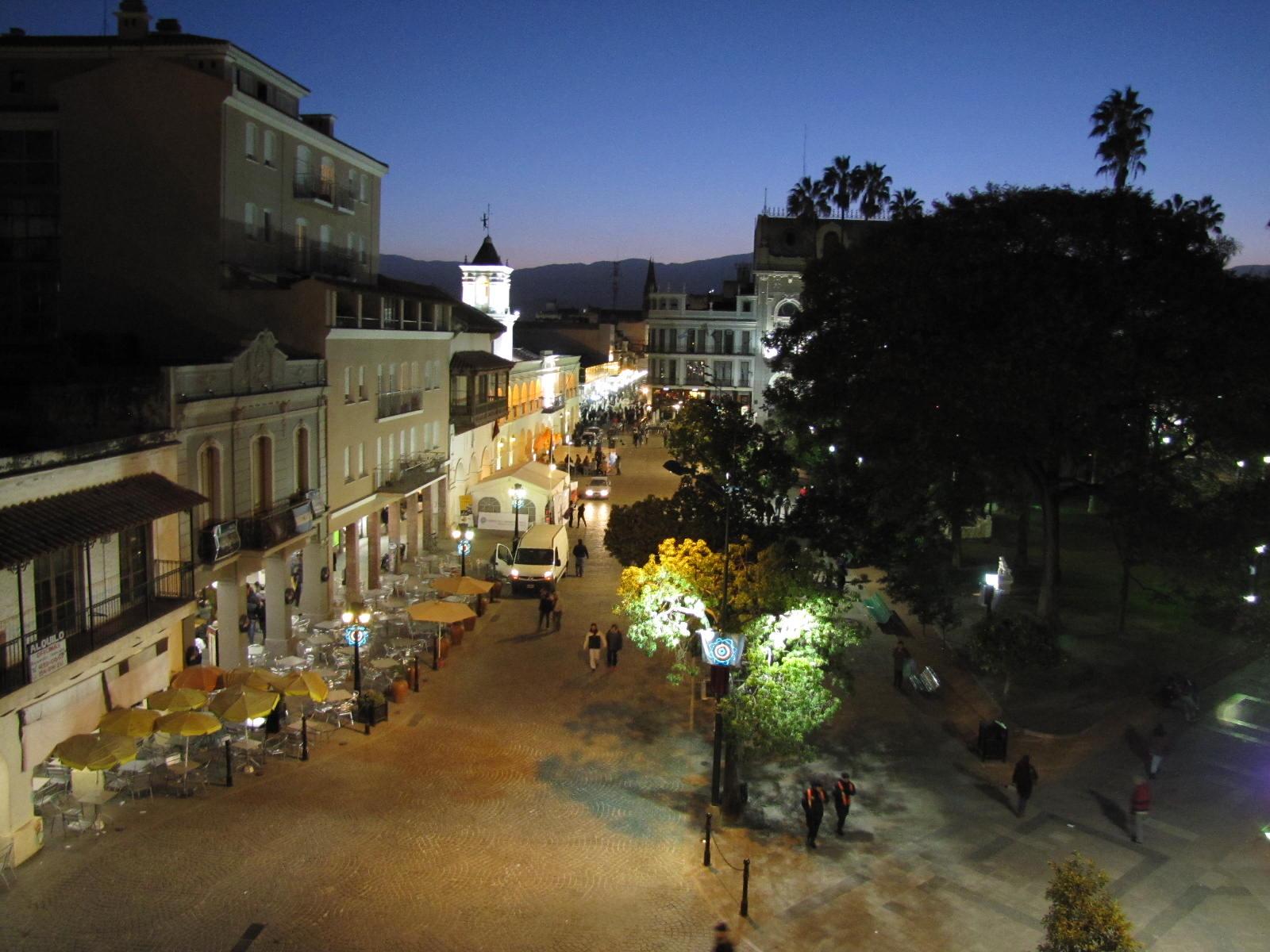 Fotos con alma cabildo de la ciudad de salta y sus for Comedor 9 de julio salta