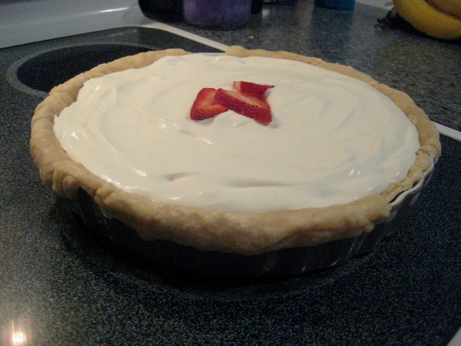 All is Wells: Stuffed Crust Strawberry Cream Pie Recipe