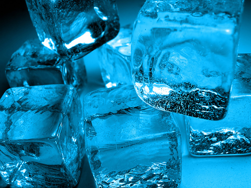 Plavo kao ... - Page 6 Ice-cubes