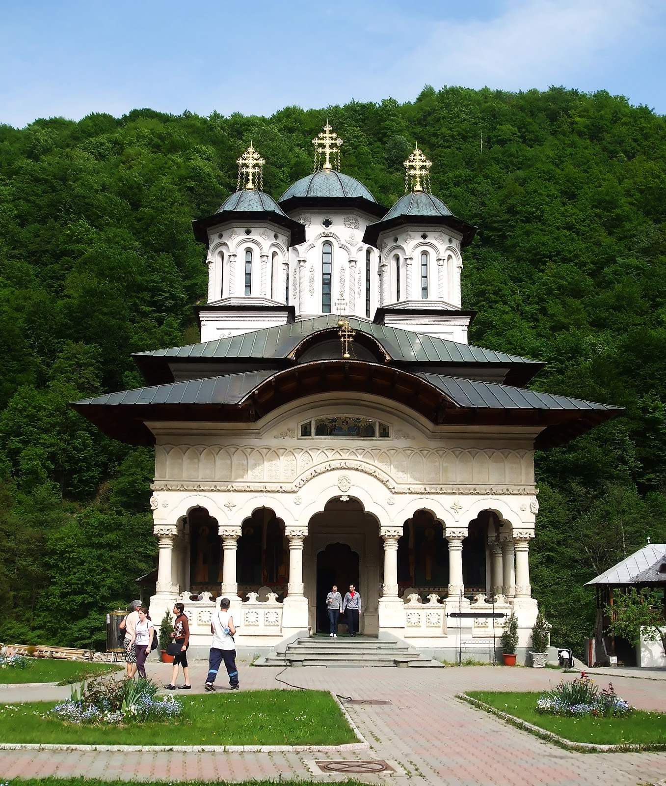Turism in Romania Manastirea Lainici