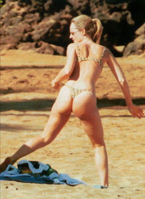 helen hunt: helen hunt bikini, candid thong, celebrity thong, exposed thong, exposed thong shots, thong showing, tight thong