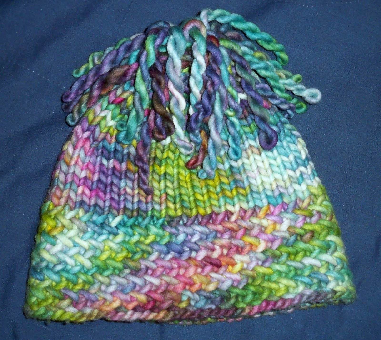 Knitting Patterns For Rasta Hats : Saras Colorwave Blog: RASTA HERRINGBONE HAT WITH DREADS