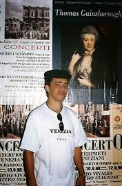 Jeovah assiste o concerto em uma ópera em Veneza.