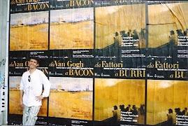 Jeovah Santos fica feliz com as obras de Vincent Van Gogh, na Itália.
