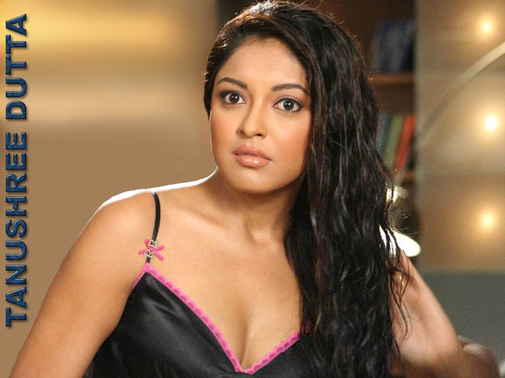 tanushree dutta hot boobs and cleavage pics bollywood actress