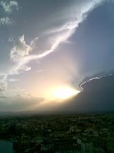 Cielo vespertino, desde el Mirador de la Lona. Granada,