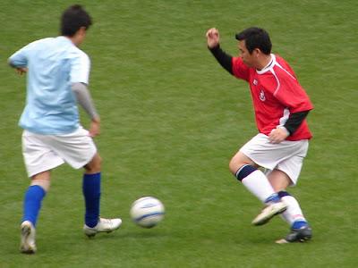 เล่นฟุตบอลให้เก่ง