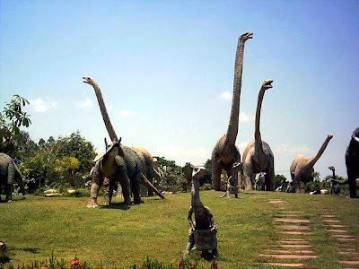 ไดโนเสาร์สัตว์โลกล้านปี