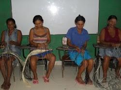 mujeres artesanas del martillo
