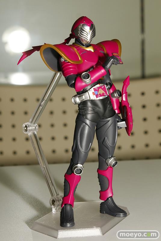 guNjapKamen Rider Dragon Knight Sting