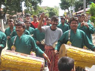 Upacara Pengabenan Warga Pasek Bendesa Merajan Gede Desa Tamblang