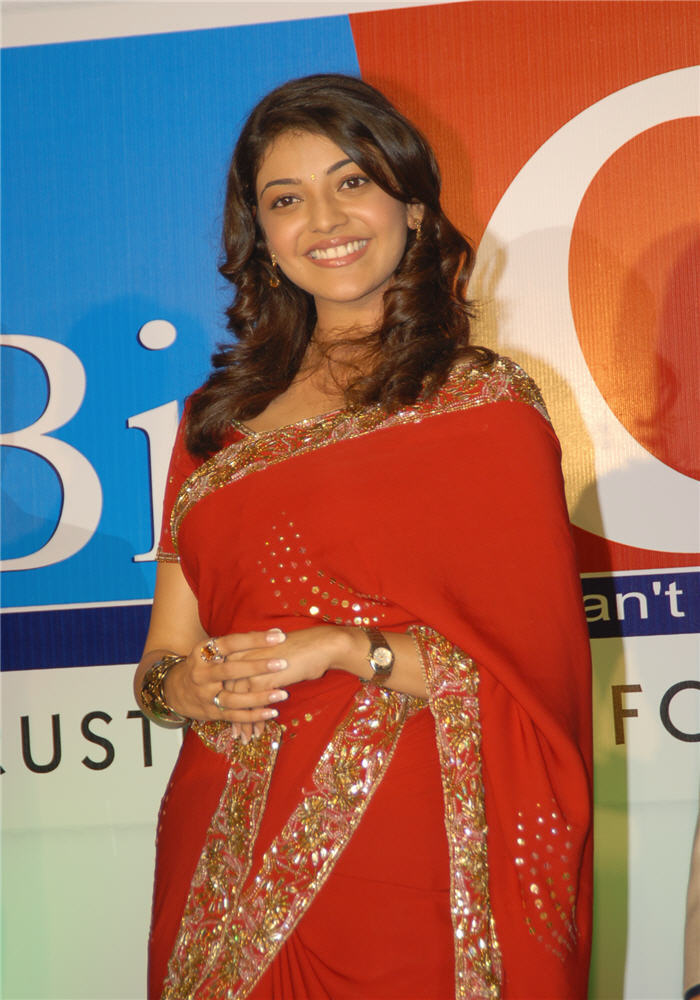 magadheera heroine kajal agarwal big c wearing red saree
