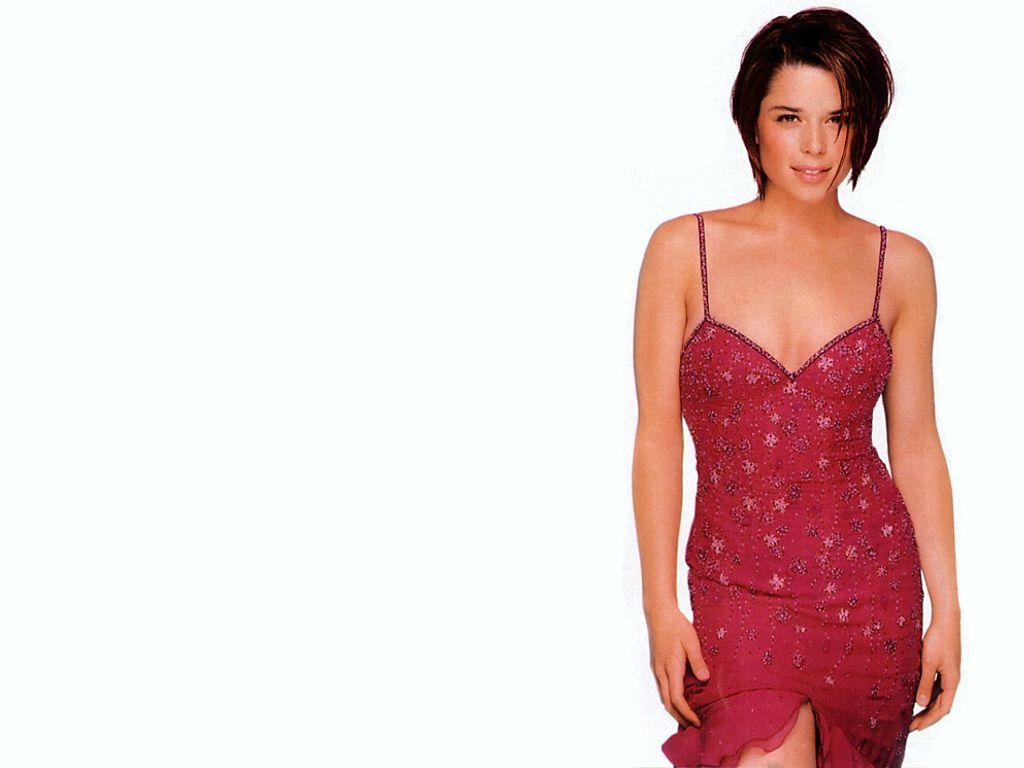 http://2.bp.blogspot.com/_YHubNjdqtIE/TOsTX4YYS6I/AAAAAAAAIt4/BRT4nGl-TAU/s1600/Neve+Campbell+red+dress.JPG
