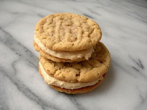 Rara Bakes: A Recipe Blog: Peanut Butter Oatmeal Cookies