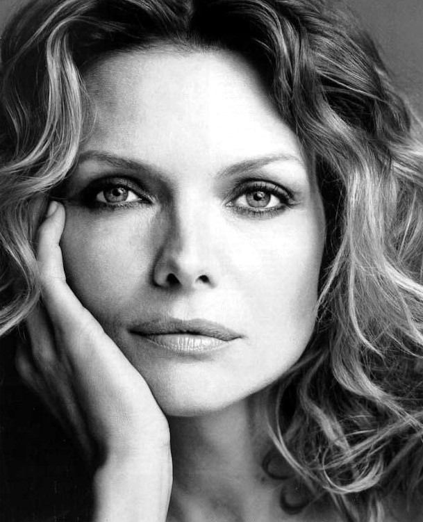 Michelle Pfeiffer - Images Colection