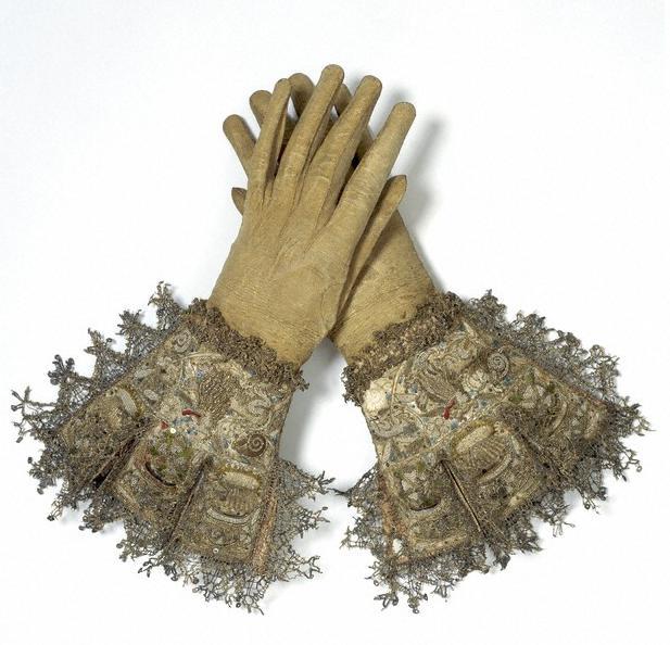 http://2.bp.blogspot.com/_YKO2gL-hVDc/SwC6dGqnxII/AAAAAAAADH0/TaGpuFy7YqY/s1600/Glovesvanda.jpg