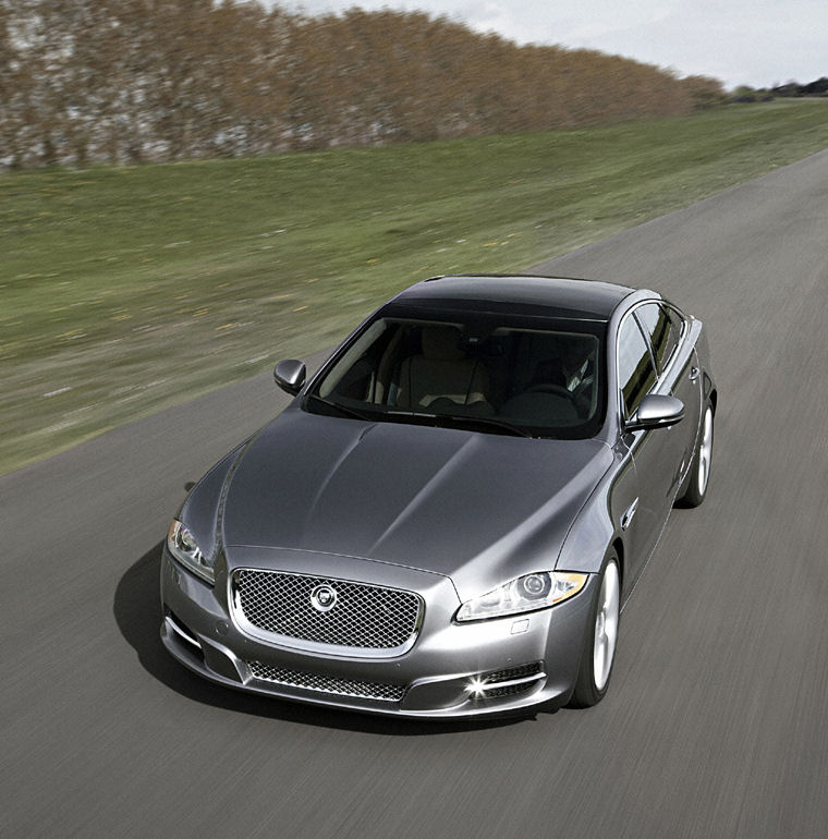 Price Of New Jaguar: Top Cars: 2010 Jaguar XJ DOOR New Model