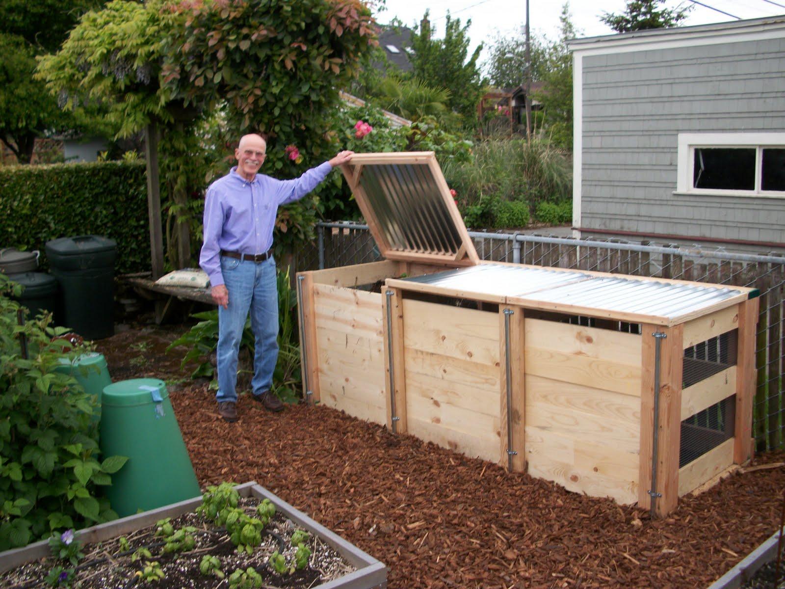 Backyard Bins the virtual world: new compost bins, virtual garden tour