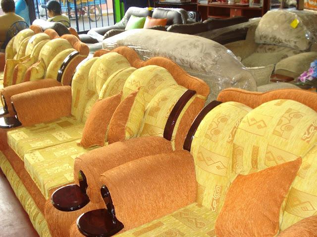 Muebleria la condesa huaral for Cobertores para muebles de sala
