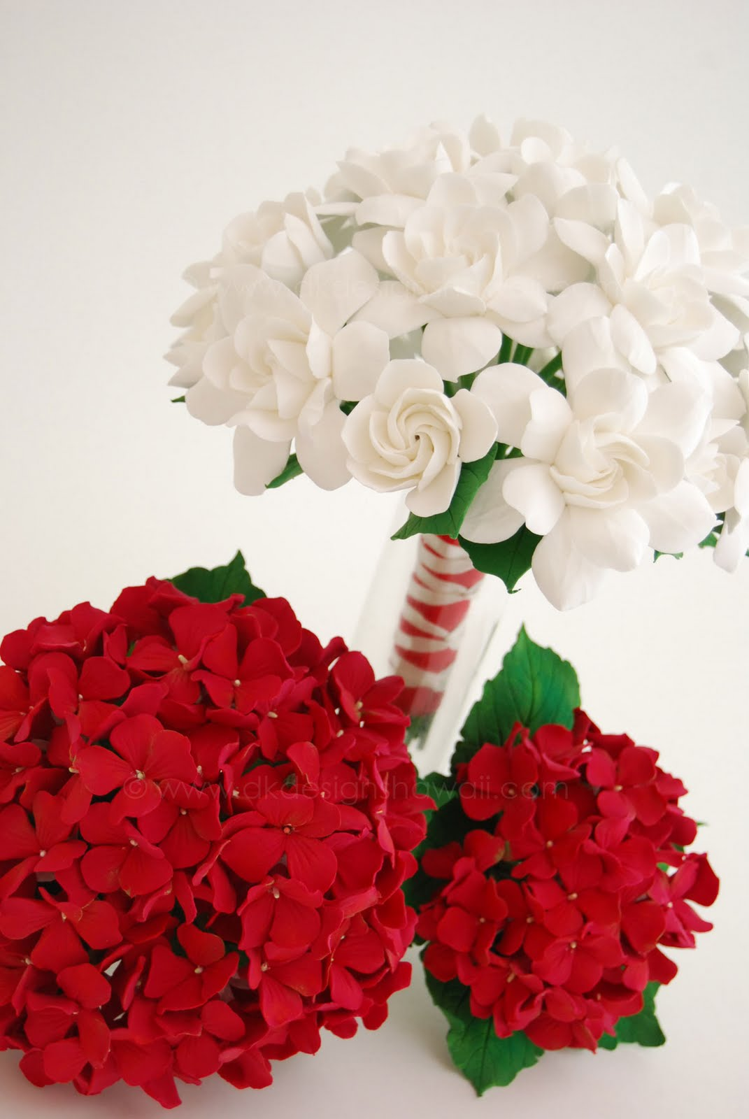 dk designs red and white bouquets. Black Bedroom Furniture Sets. Home Design Ideas