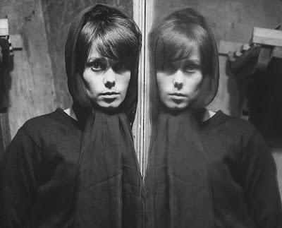 Catherine Deneuve en la galería 'Actrices frente al espejo' de elhombreperplejo.com