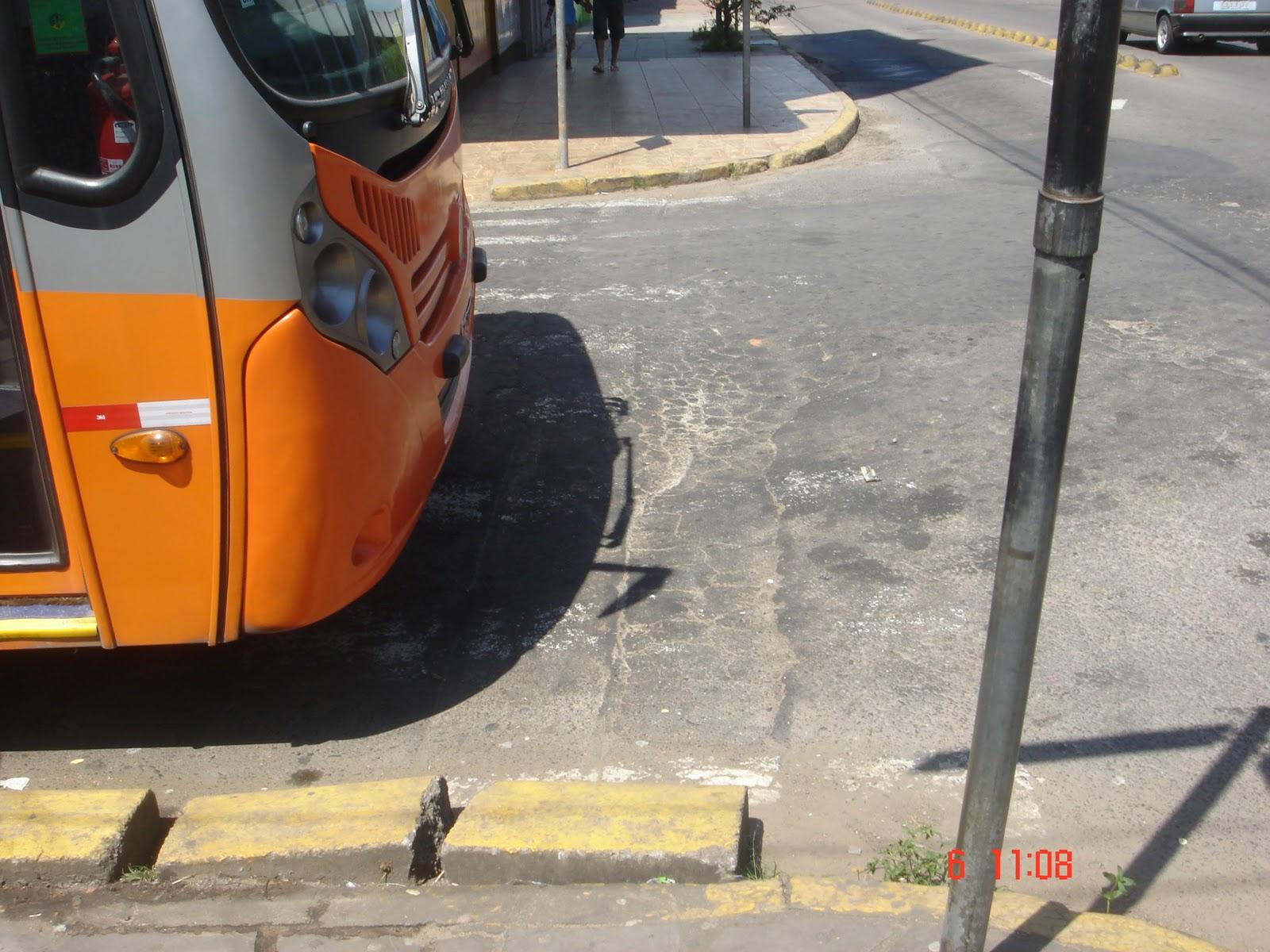 Calçadas do município de Esteio se transformaram em armadilhas para  #BA6211 1600 1200