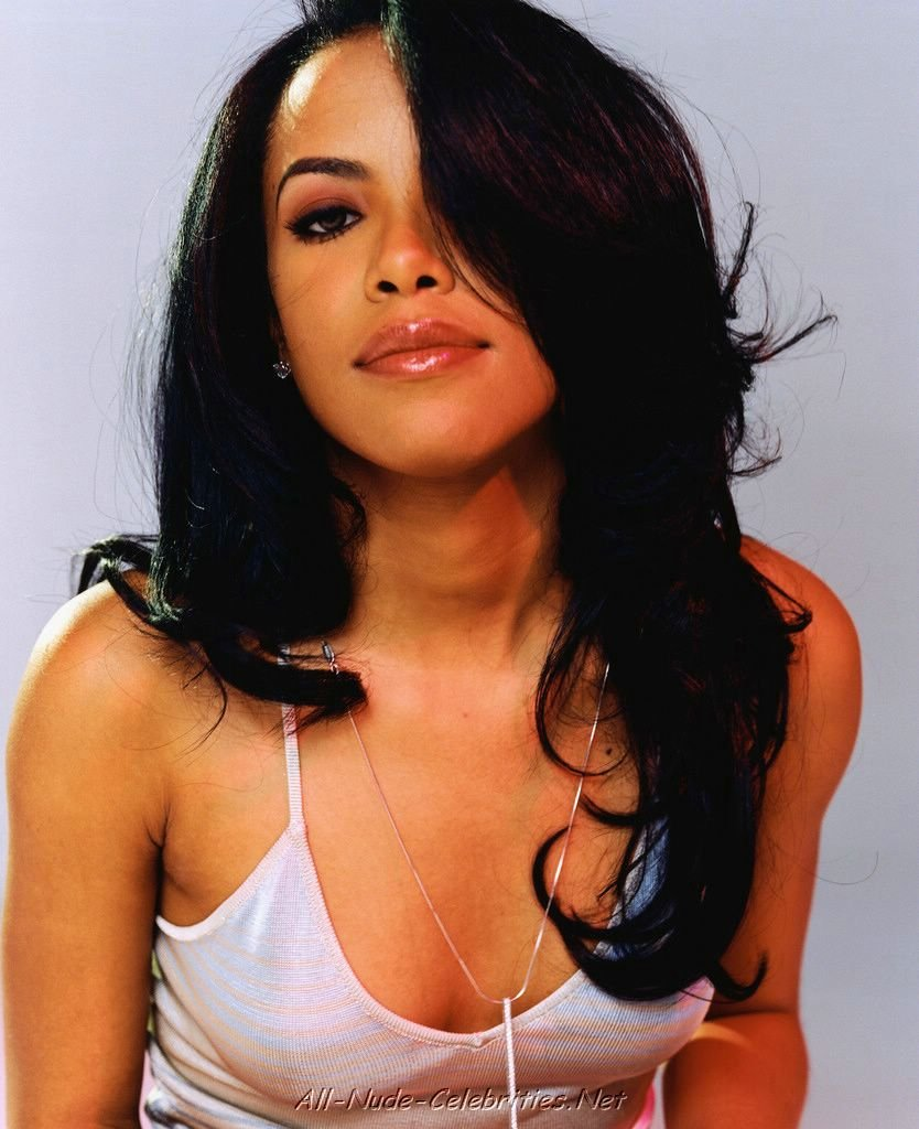 Aaliyah Jolie Nude Photos 28