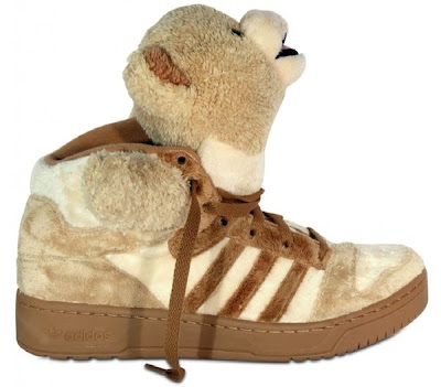 -They are TEDDY BEARS in shoe form. -You could wear them with a super-jazzy