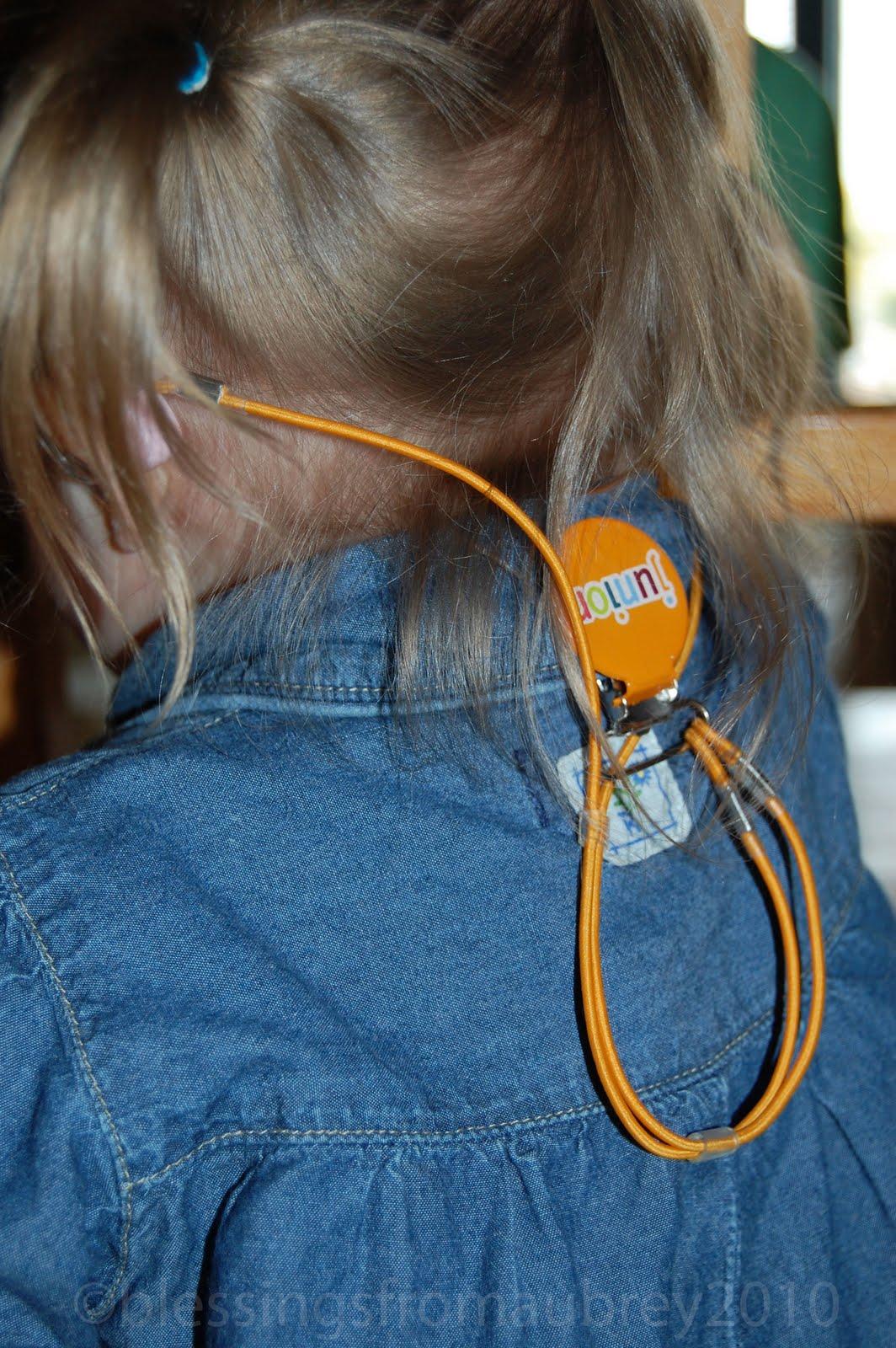 http://2.bp.blogspot.com/_YP5aFADyODQ/TIr5XltMIPI/AAAAAAAABlw/v7W83Mos-I0/s1600/Hearing-Aid-Strap.jpg