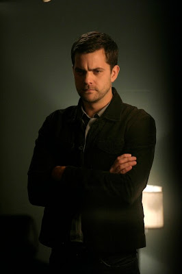FRINGE: Peter (Joshua Jackson) questions the victim's story in the FRINGE episode The Equation