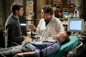FRINGE: In order to solve a case, Peter (Joshua Jackson, L) and Walter (John Noble, R) must successfully treat the enemy in the FRINGE episode 'Ability' airing Tuesday, Feb. 10 (9:01-10:00 PM ET/PT) on FOX. ©2009 Fox Broadcasting Co. Cr: Craig Blankenhorn/FOX