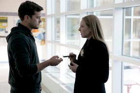 FRINGE: Olivia (Anna Torv, R) and Peter (Joshua Jackson, L) discuss the ZFT connection to the case in the FRINGE episode 'Ability' airing Tuesday, Feb. 10 (9:01-10:00 PM ET/PT) on FOX. ©2009 Fox Broadcasting Co. Cr: Craig Blankenhorn/FOX