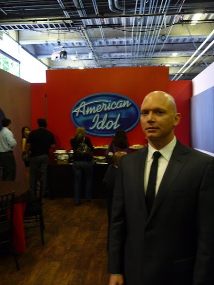 Behind The Scenes of American Idol with Michael Cerveris as The Observer