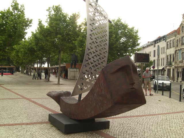 Public sculpture of Queimadela in Aveiro