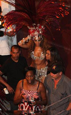 beyonce-knowles-alicia-020909-5 Alicia & Beyonce sous le soleil de Rio