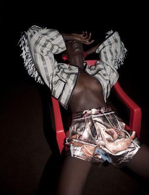 Terre de Sienne | Kinee Diouf par Viviane Sassen