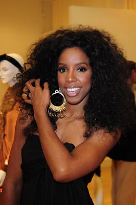 >Kelly Rowland en mode Diana Ross