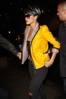full_rihanna_06_wenn5290036 Rihanna: Serial clubbeuse, shoppeuse et vacanceuse (heuu ca ne se dit pas je crois...)