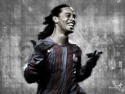 Sports Wallpaper 1024 768 - Football Ronaldinho Hand Signal Finger Thumb Goal Celebration