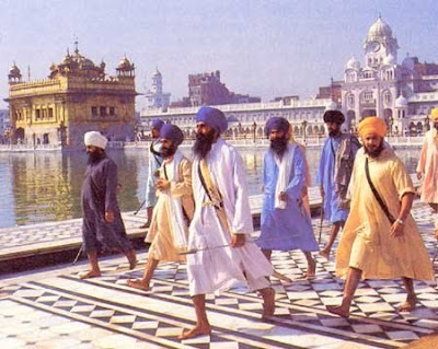 golden temple amritsar diwali. WARRIORS IN THE TEMPLE