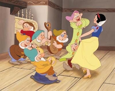 VIDEO Cronica de film: Alba ca Zapada si cei sapte pitici/ Snow White and the Seven Dwarfs VIDEO Cronica de film: Alba ca Zapada si cei sapte pitici/ Snow White and the Seven Dwarfs snow white2