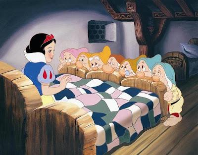 VIDEO Cronica de film: Alba ca Zapada si cei sapte pitici/ Snow White and the Seven Dwarfs VIDEO Cronica de film: Alba ca Zapada si cei sapte pitici/ Snow White and the Seven Dwarfs snow white3