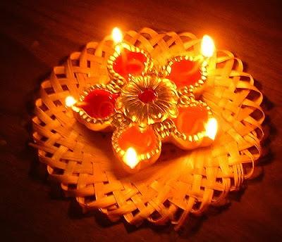 http://2.bp.blogspot.com/_YXhBd2jSUy8/Steio6Xl_cI/AAAAAAAACEQ/bnZxrIpjdHg/s400/diwali_lights.jpg
