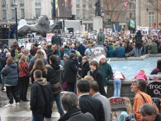 Trafalgar Square 24 February 2007 - image of people 3