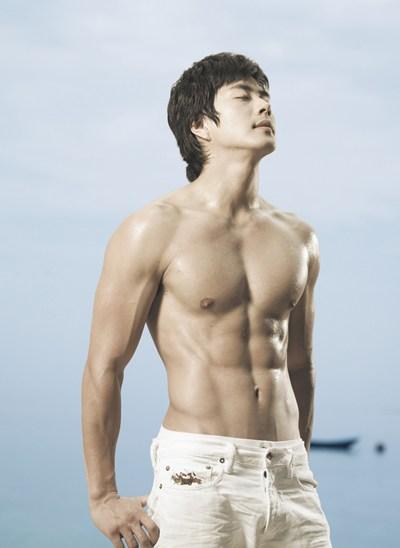 [kwon-sang-woo3.jpg]