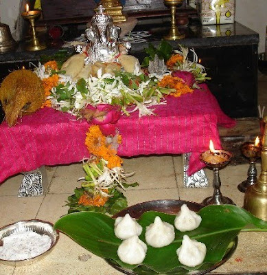 Preparation of Modak / Kolukattai